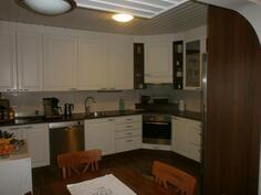 Asunto B: keittiö
