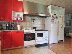 keittiössä on puuhella