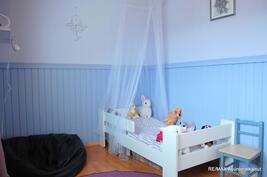 Terassin viereinen makuuhuone