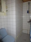 Yläk. kylpyhuone ja wc