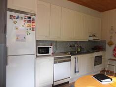 Huoneisto 2:n keittiöstä