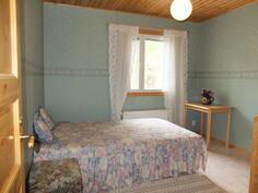 Alakerran makuuhuone, huoneisto 1