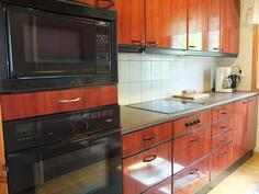 Huoneisto 1:n keittiöstä