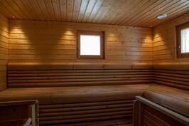 Sauna on tilava ja tyylikäs