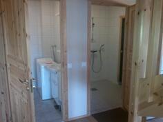erillinen wc ja pesuhuone
