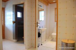 Saunaosasto ja erillinen wc