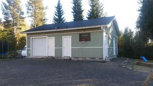Autotalli-varasto 75 m²