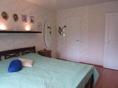 ... myös 2000-luvun alussa ja makuuhuoneissa on joko vaatehuone tai ...
