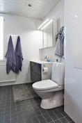 Kylpyhuone, joka uusittu 2014