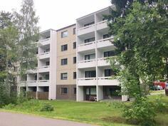 Rakennus toiselta puolelta