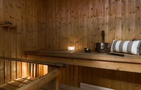 Tunnelmallinen oma sauna..
