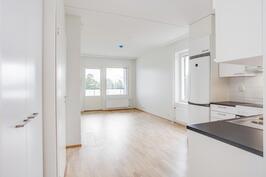 Keittiö-olohuonetta, kuva asunnosta A 40