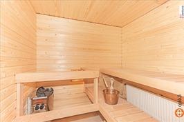 Omassa saunassa makoisat löylyt.