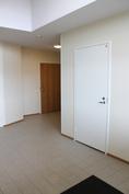 Jokaisella huoneistoilla on aulassa oma varasto.