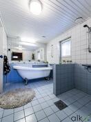Kylpyhuone on ihana! Amme on oikeaa arjen luksusta!