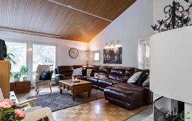Tällainen upea olohuone Sinua ja perhettäsi odottaa!
