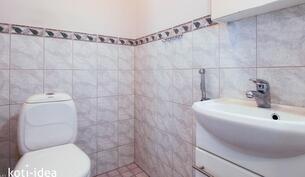 2 samanlaista wc:tä