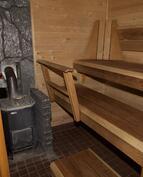 puulämmitteinen iso sauna