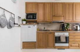 Ihastuttava remontoitu keittiö,