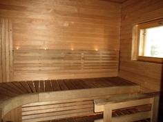 Täysin uusittu sauna.