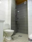 Keskikerroksen wc tila