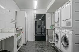 Taloyhtiön ilmainen pyykkitupa, jossa kaikki mitä pyykinhuoltoon tarvitaan!