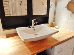 tyylikkäästi remontoutu kylpyhuone