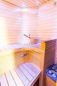 Huoneistoon on rakennettu sauna v. 2009