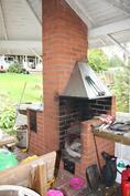Kesäkeittiön grilli ja liesi