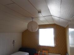 yläkerran 2.huone