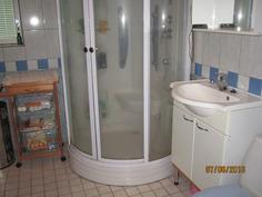 Kylpyhuone-suikukaapilla
