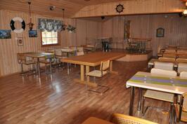 Ravintolasali istumapaikkoja 90 kpl