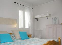 Makuuhuone 1, lisäkuva