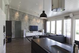Olohuone, keittiösta katsottuna