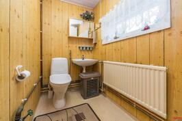 Vanhemman talon wc