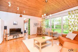 Ihastuttava koti odottaa uusia asukkaita suositulla  Knuutilankankaalla. Tervetuloa tutustumaan!