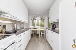 Upea keittiö remontoitu 2013