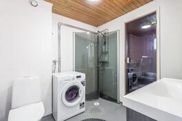 2014 uusittu kylpyhuone