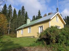 Alunperin 40-luvulla rakennettu hirsitalo