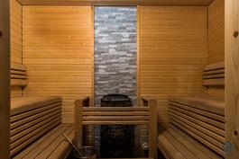 Sauna seurustelulauteilla