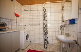 kodinhoitotila mahtuu hyvin kylpyhuoneeseen