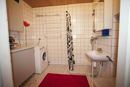 reilusti tilaa kylpyhuoneessa