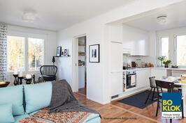 Kalustettu olohuone / keittiö