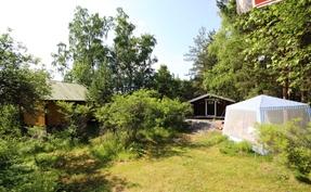 piharakennus ja vierasmaja