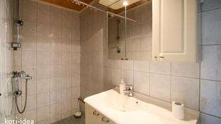 Kylpyhuone ja WC