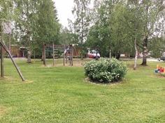 yhteinen leikkipaikka