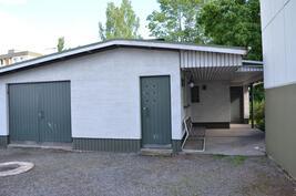 Taloyhtiön toinen saunaosasto ja varastotiloja
