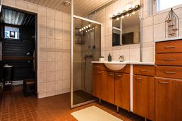 kylpyhuone on myös uudistettu