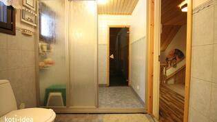 Kylpyhuone remontoitu 2008