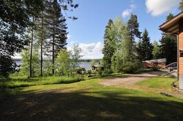 Maisema järvelle